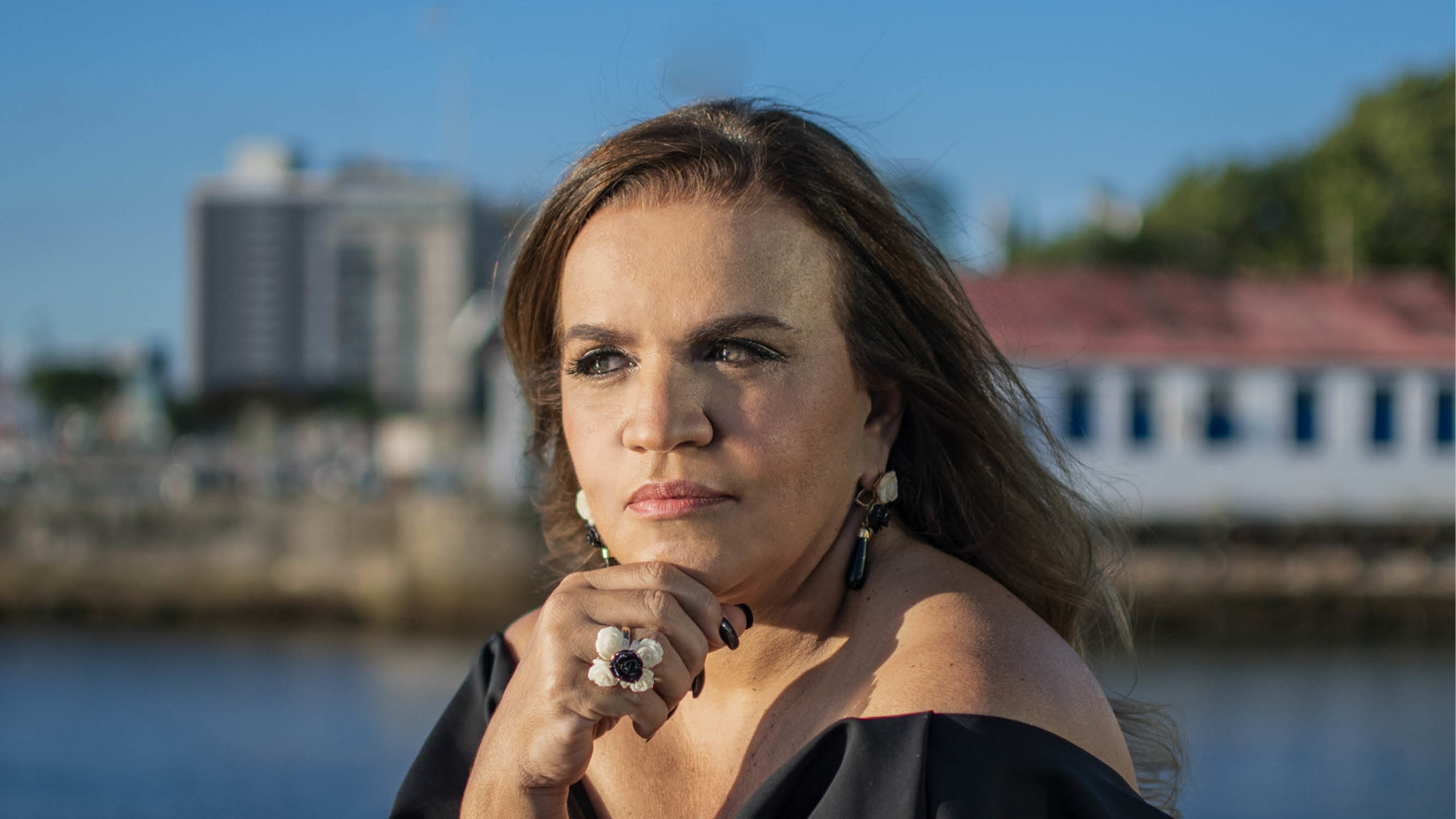 Andrea Velame comemora o sucesso no lançamento da  Mostra Casas Conceito Virtual Experience